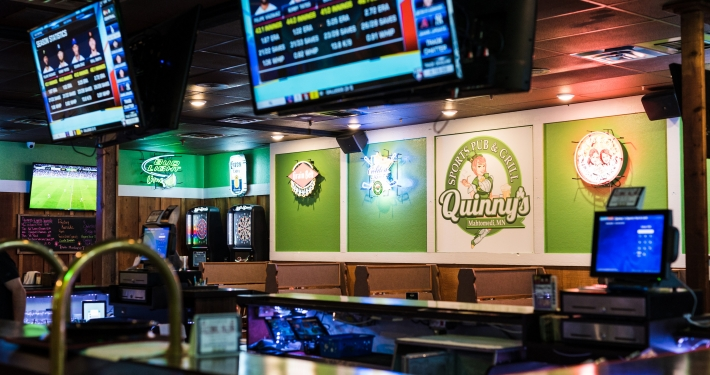 Quinny's Sports Pub and Grill-3140 Century Ave N Mahtomedi, Minnesota Call (651)770-2443