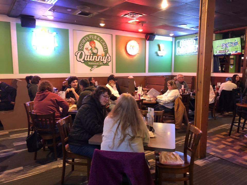 Quinny's Sports Pub and Grill - Casual dinning at Quinny's Mahtomedi MN